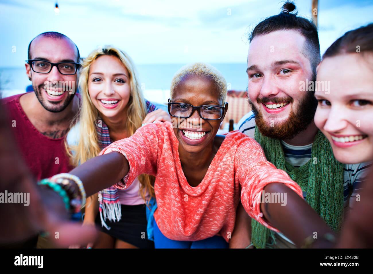 Beach Summer Party Concept Selfies Ensemble Photo Stock