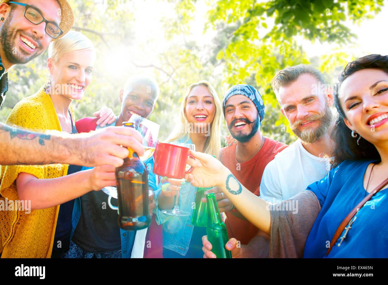 Ami célébrer vie joyeux pique-nique Party Concept Potable Photo Stock