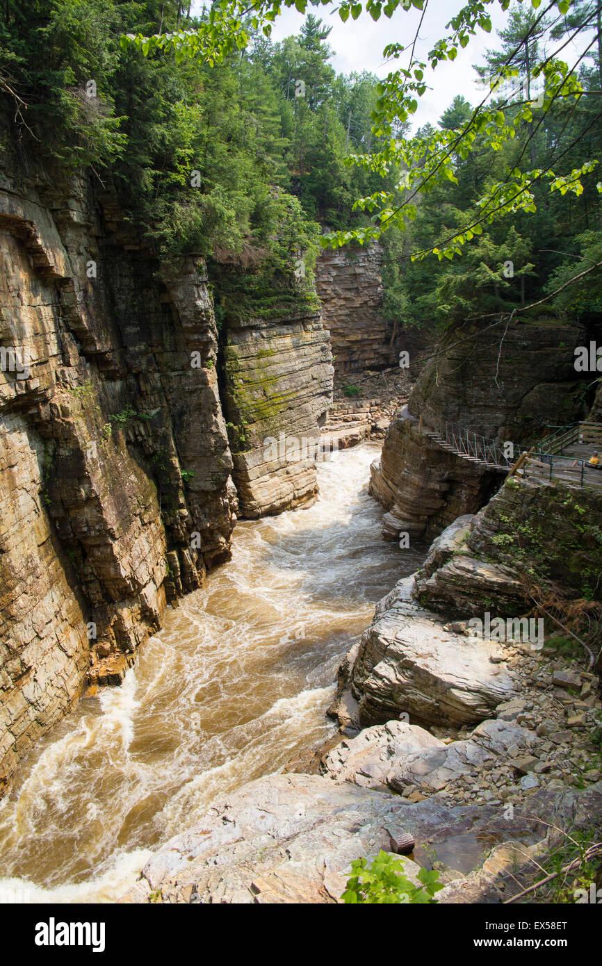 La Ausable Chasm en montagnes Adirondack NY Banque D'Images