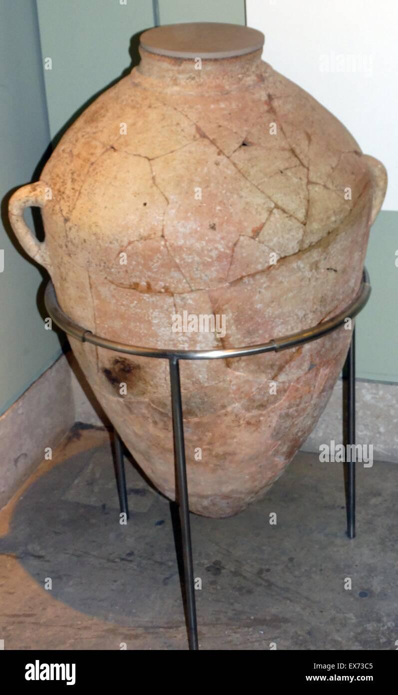 Pot de stockage de Tell es-Sa'idiyeh, fin de l'âge du bronze à partir de la strate XIV 13e siècle Photo Stock