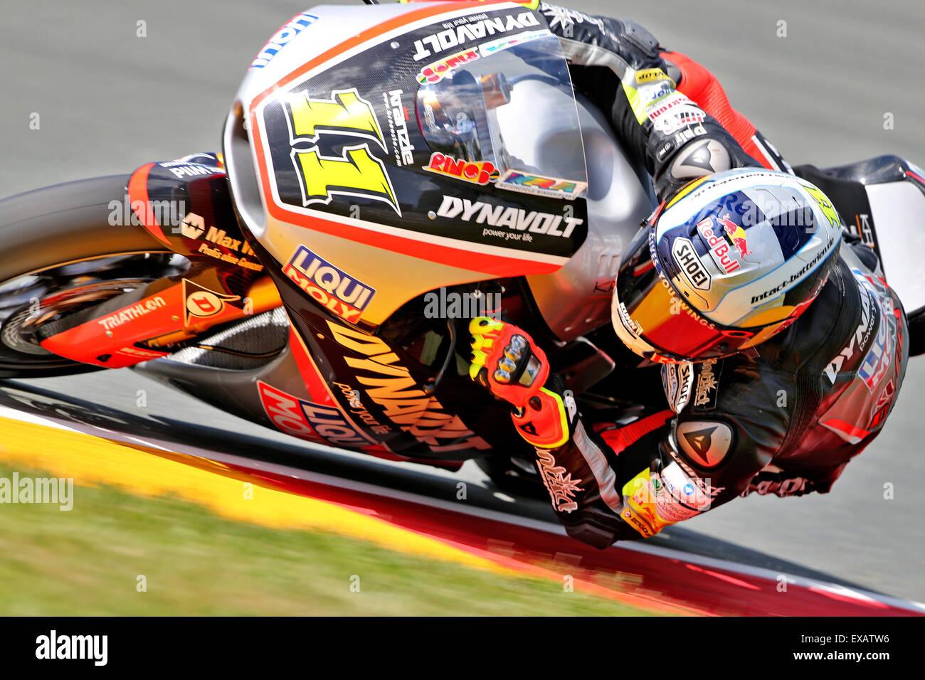 Hohenstein-Ernstthal, Allemagne. 10 juillet, 2015. L'allemand Sandro Cortese Moto2 rider du Team Dynavolt Intact Photo Stock
