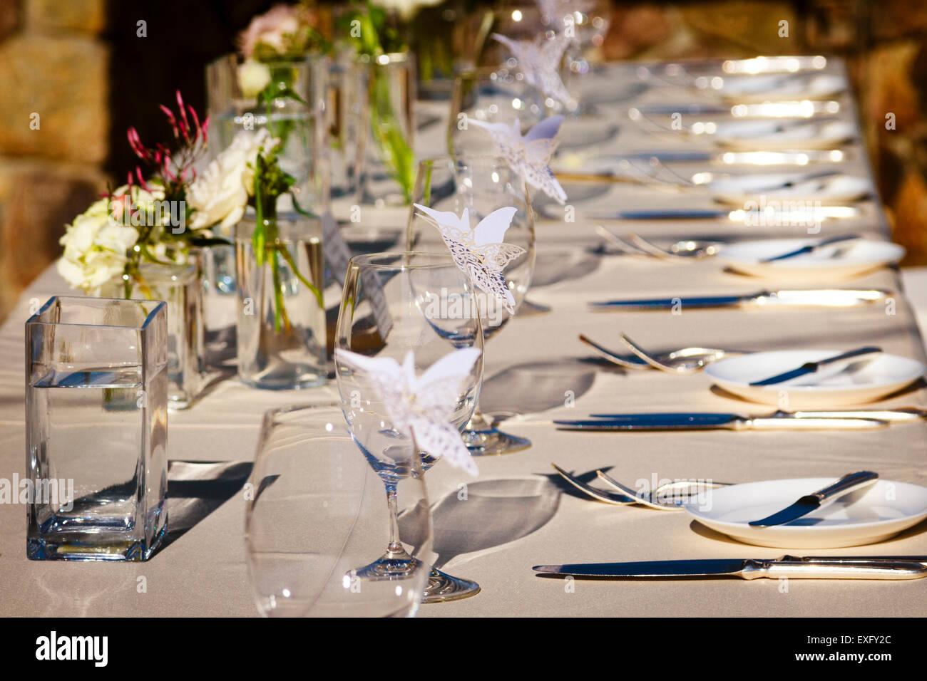 Table de salle à manger formelle pour un dîner de mariage célébration Photo Stock