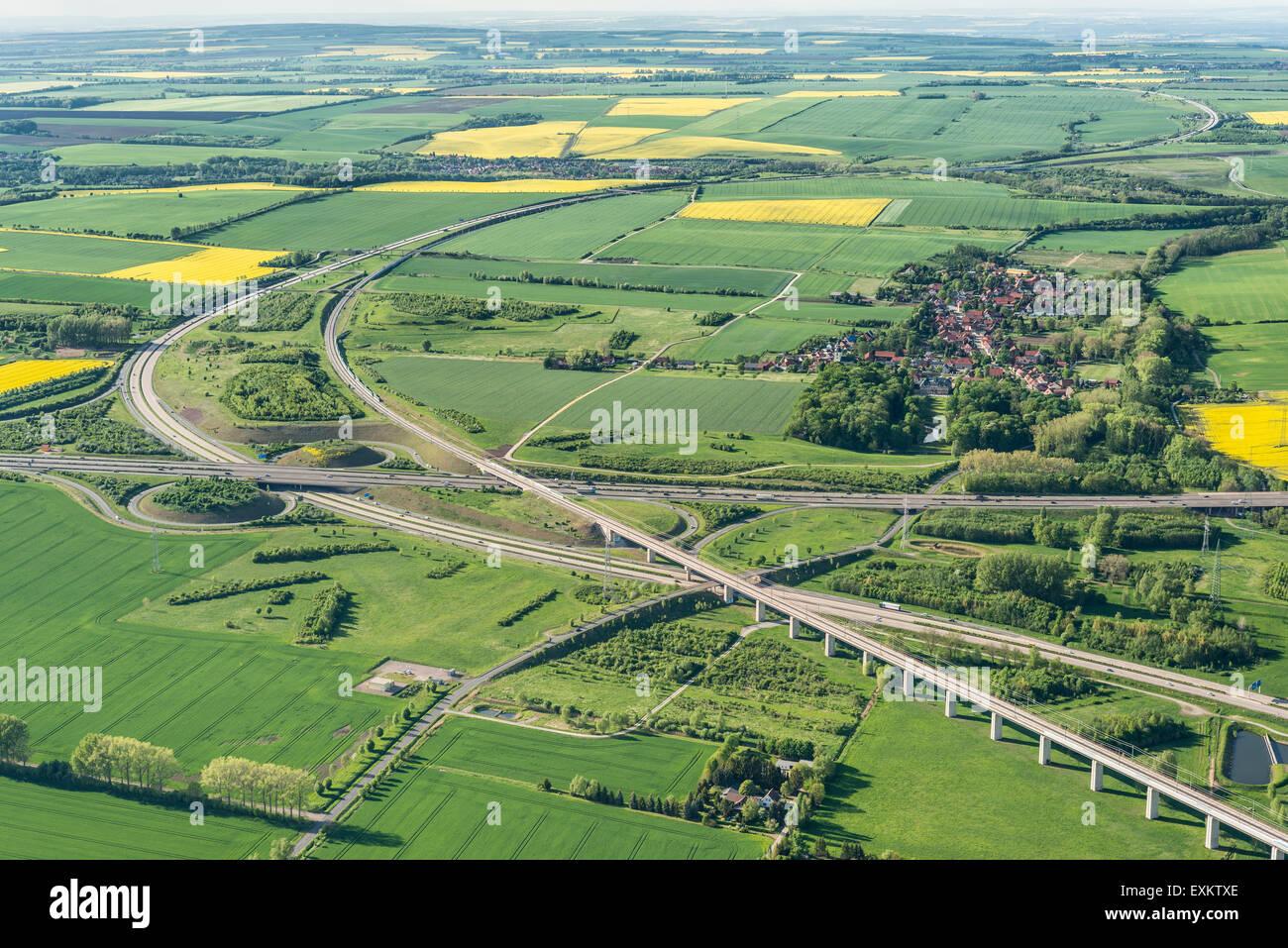 Les autoroutes fédérales allemandes 4 et 71, l'échange, LA GLACE Erfurter Kreuz ligne ferroviaire Photo Stock