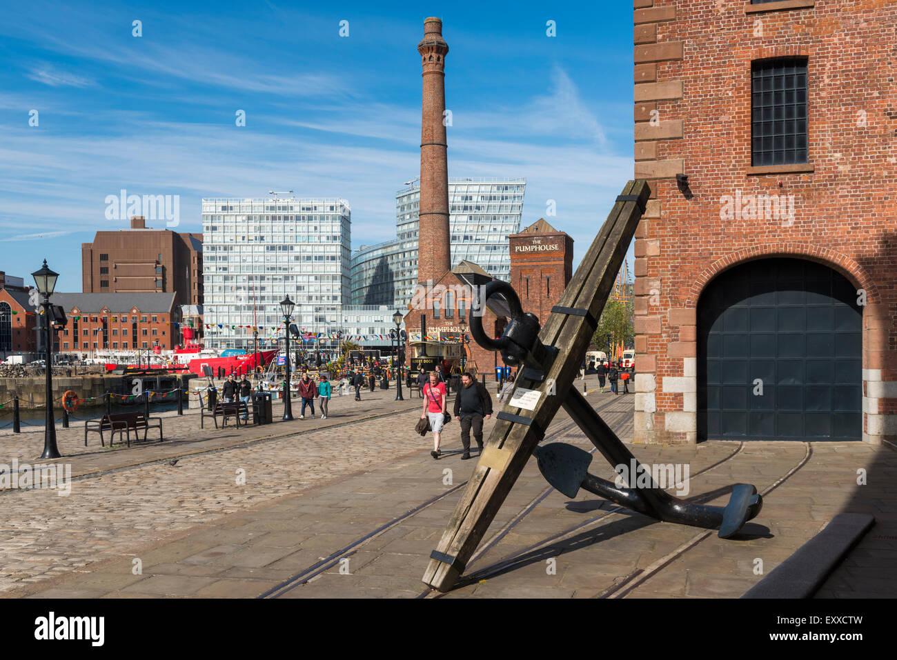 À l'Albert Dock, Liverpool, Merseyside, England, UK Photo Stock