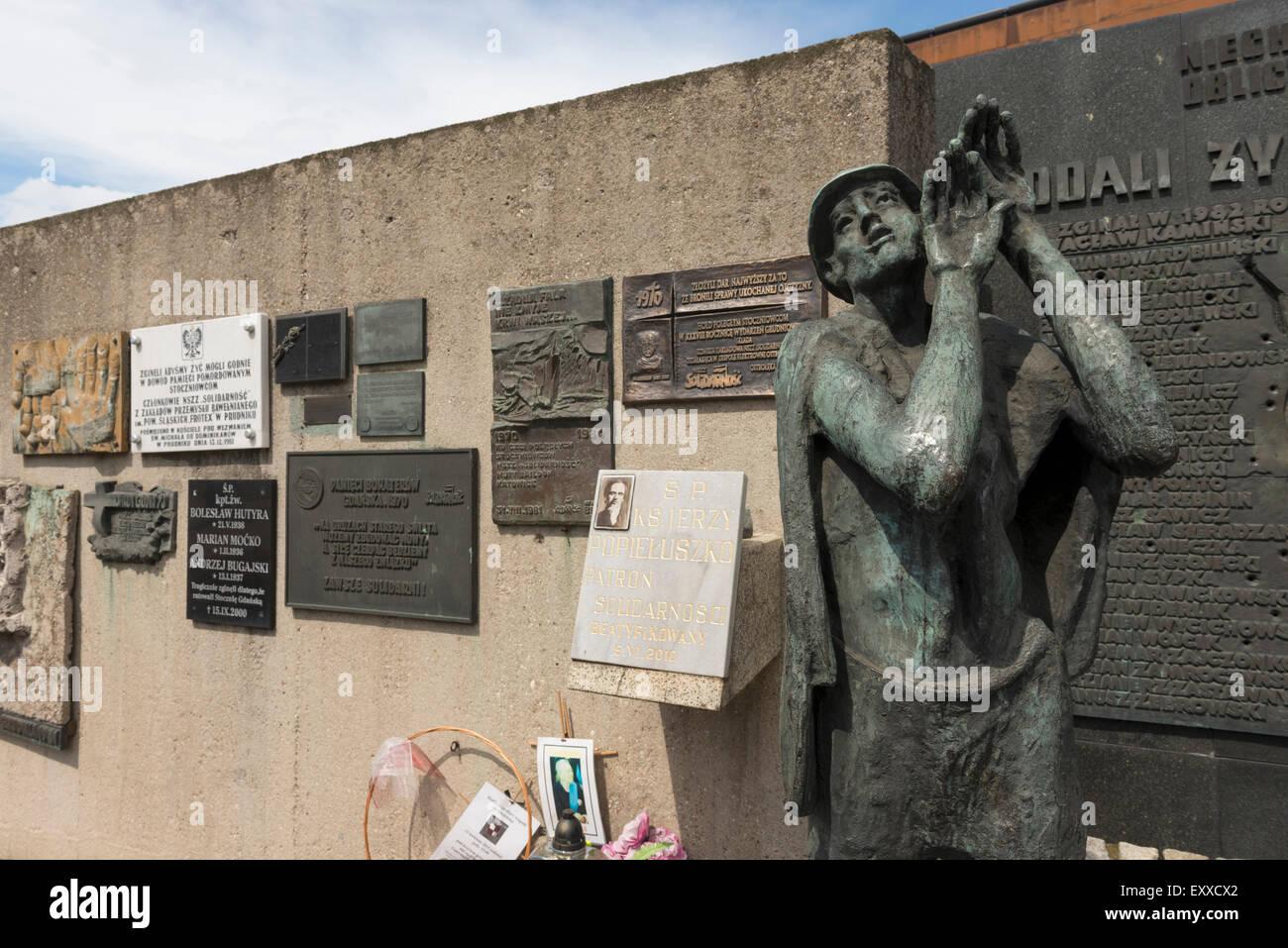 Des plaques commémorant la substitution, les travailleurs des chantiers navals de Gdansk, en Pologne, en Europe Banque D'Images