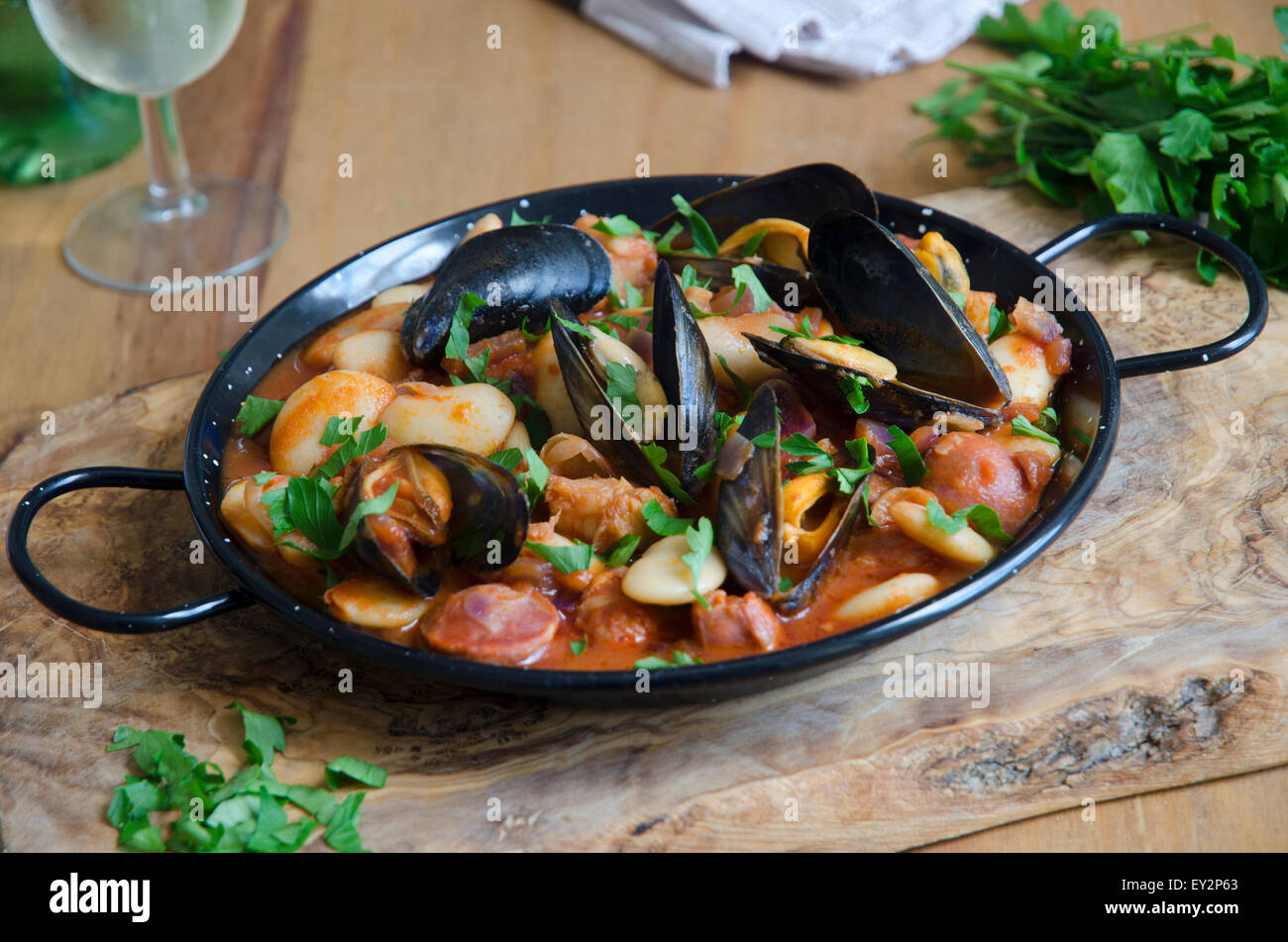 Ragoût de haricots et de moules Photo Stock