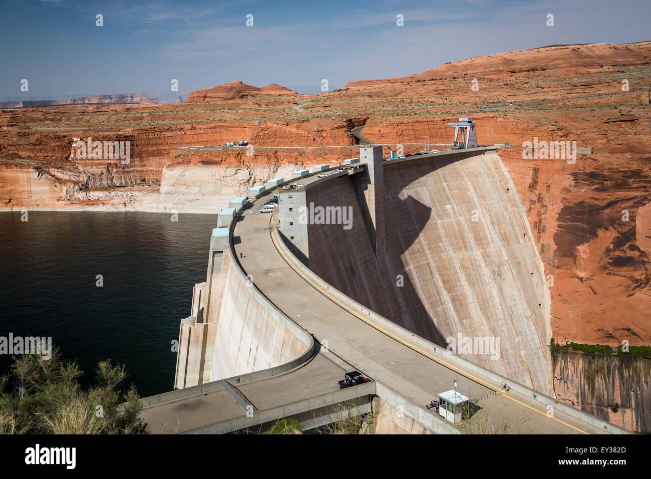 Le barrage de Glen Canyon sur le Colorado River près de Page, Arizona, USA. Photo Stock
