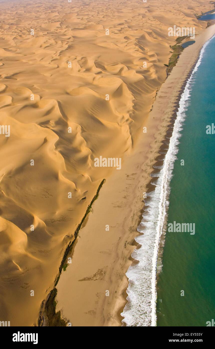 Vue aérienne de dunes côtières - Désert du Namib Namibie Photo Stock