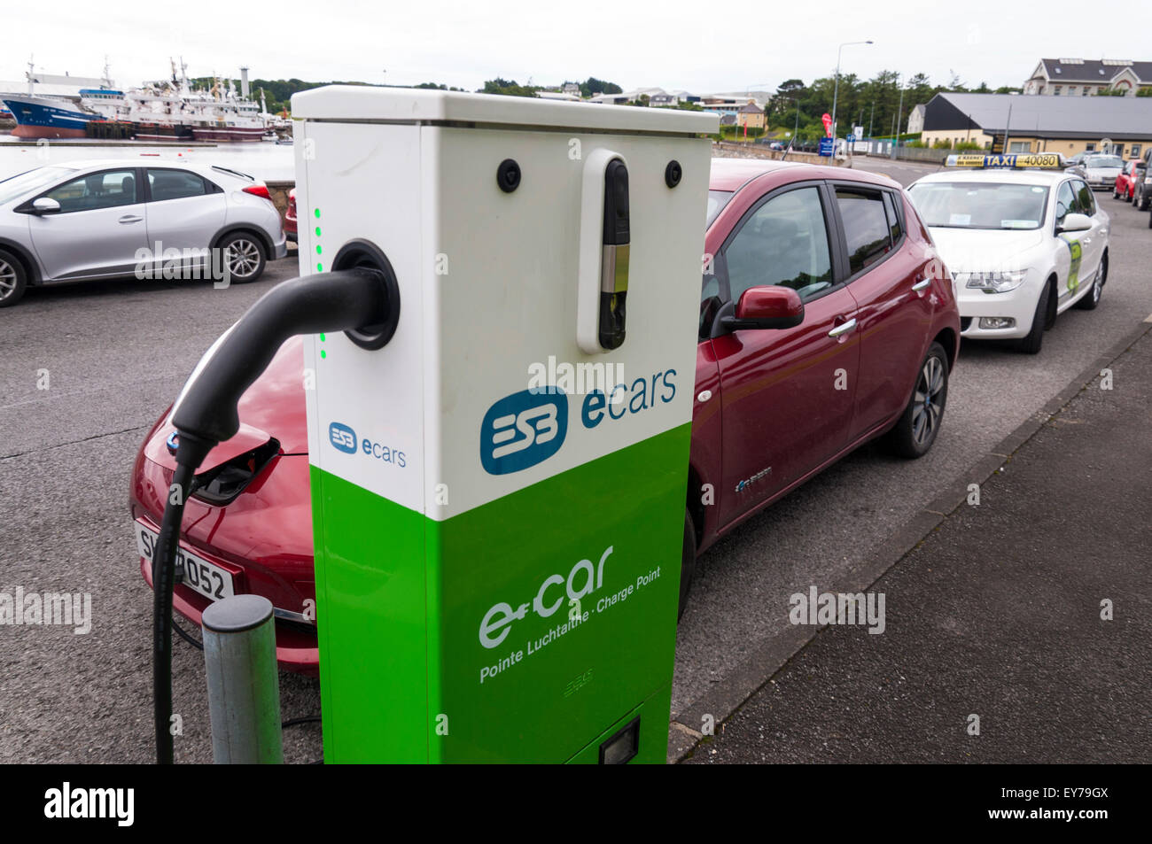 E ESB ecars voitures point de charge à Killybegs, comté de Donegal, Irlande Photo Stock