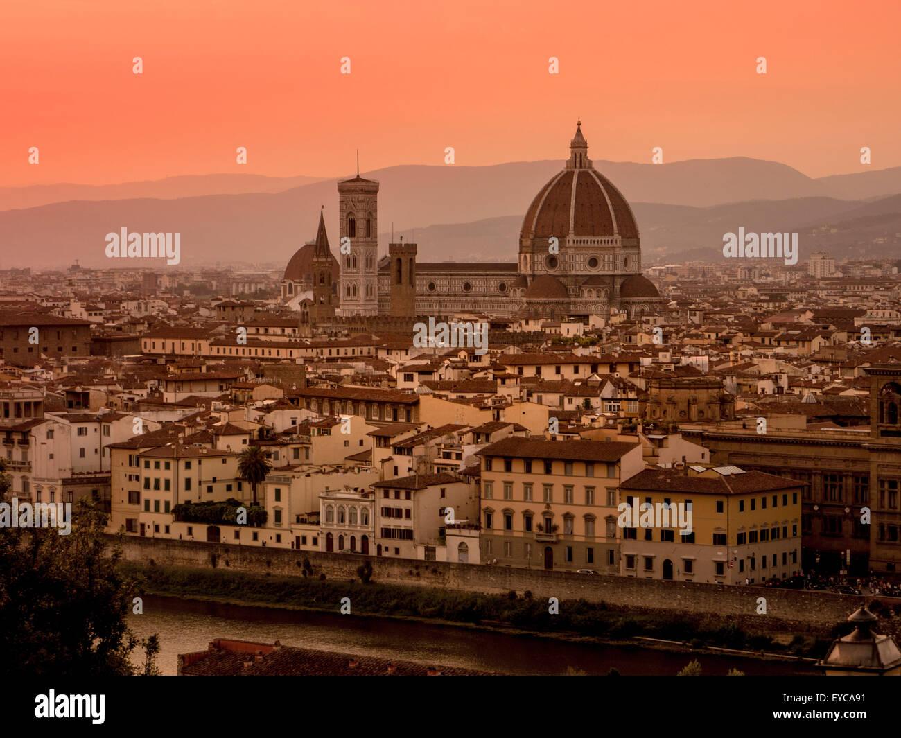 La cathédrale de Florence au crépuscule. Florence, Italie. Photo Stock