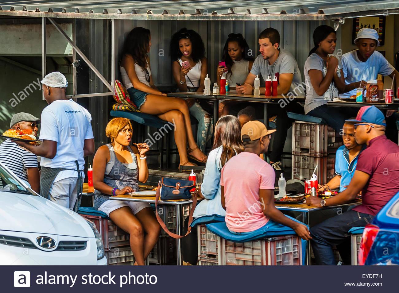 Scène de rue, Cité Maboneng, Johannesburg, Afrique du Sud. Photo Stock