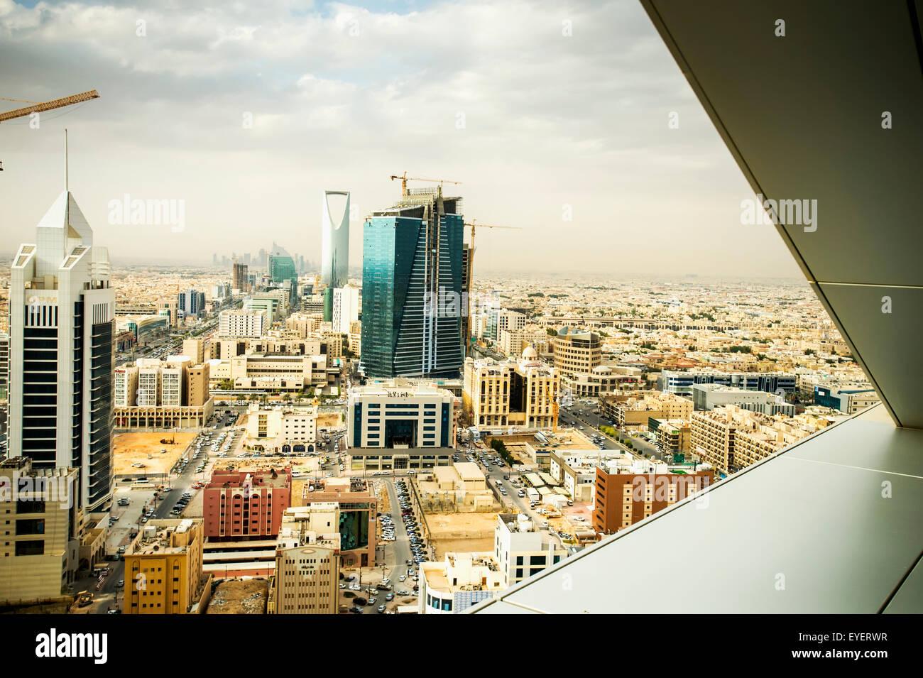 paysage urbain riyadh arabie saoudite banque d 39 images. Black Bedroom Furniture Sets. Home Design Ideas