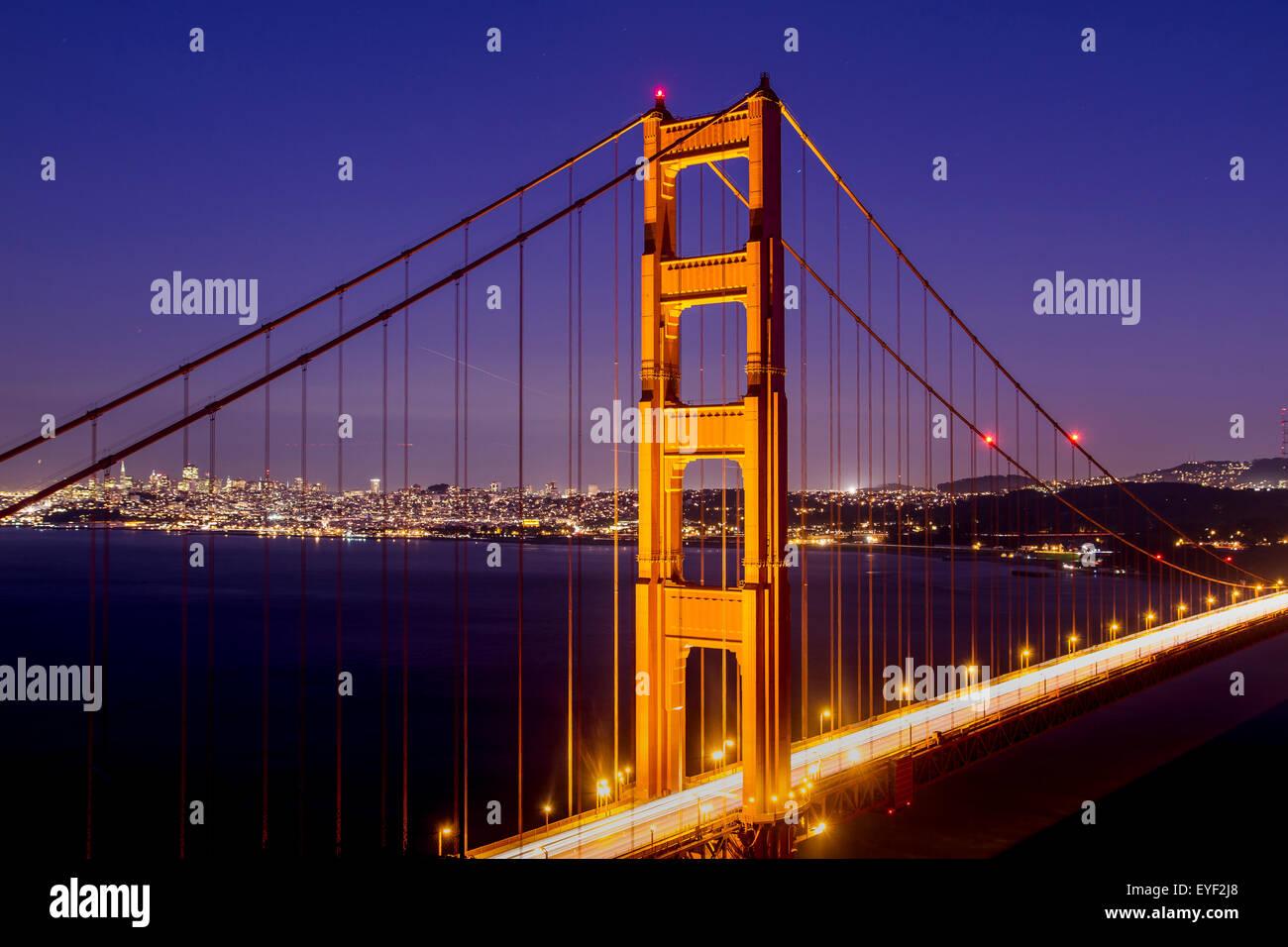 Le Golden Gate Bridge at night du Marin Headlands, San Francisco, Californie Banque D'Images