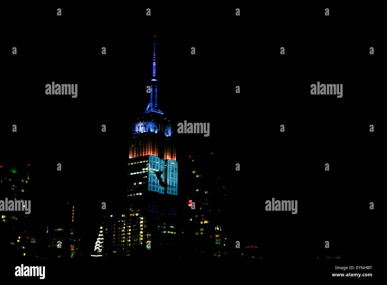 New York City, USA. 1er août 2015. Les images numériques des espèces menacées sont projetés sur la face sud de la Banque D'Images