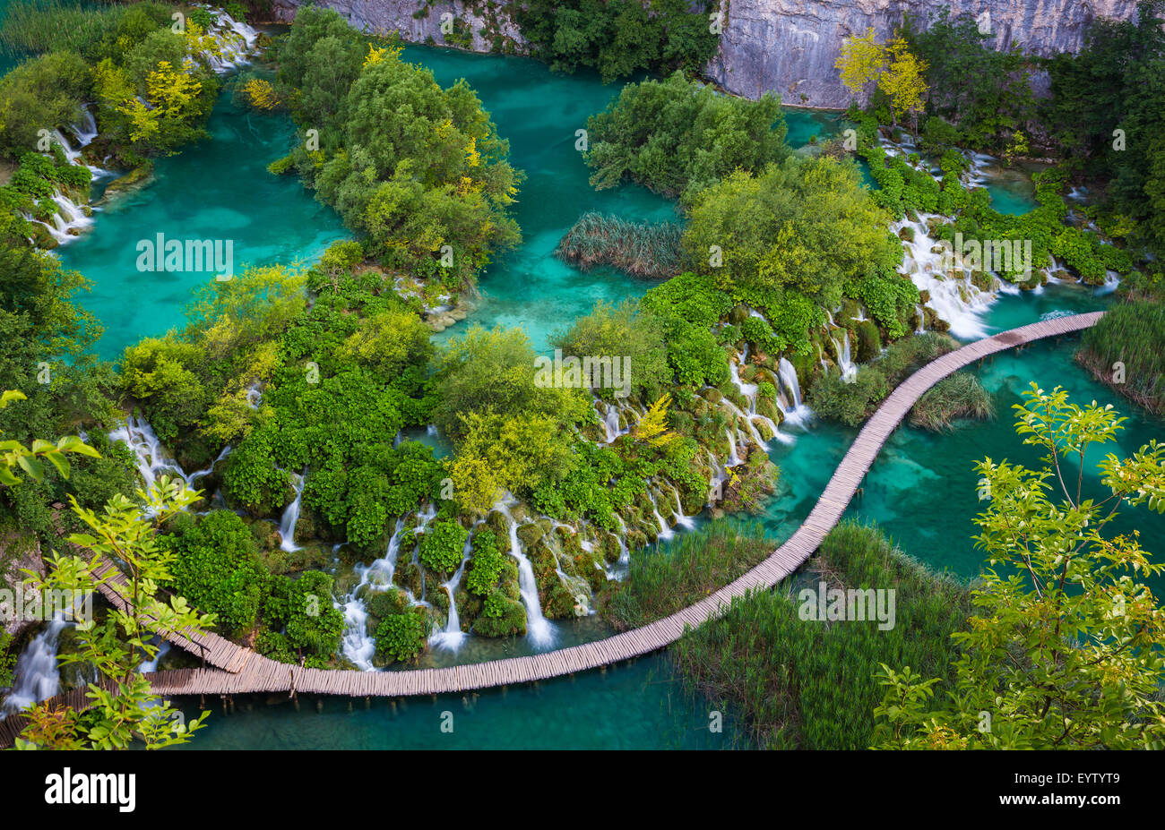Le parc national des Lacs de Plitvice est l'un des plus anciens parcs nationaux du sud-est de l'Europe et Photo Stock