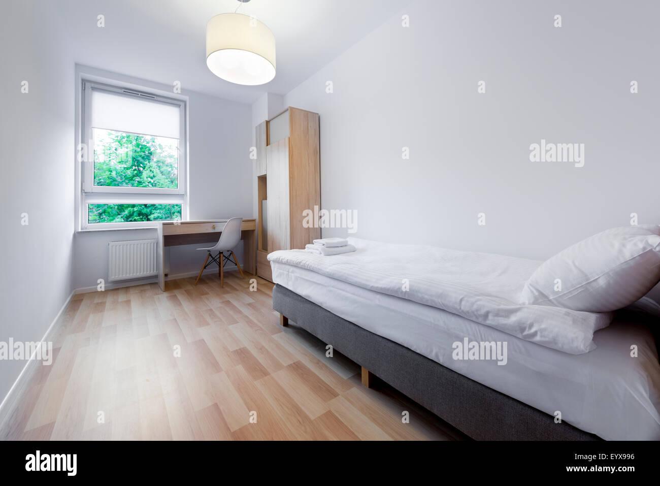 Petite chambre à coucher moderne et design d\'intérieur ...