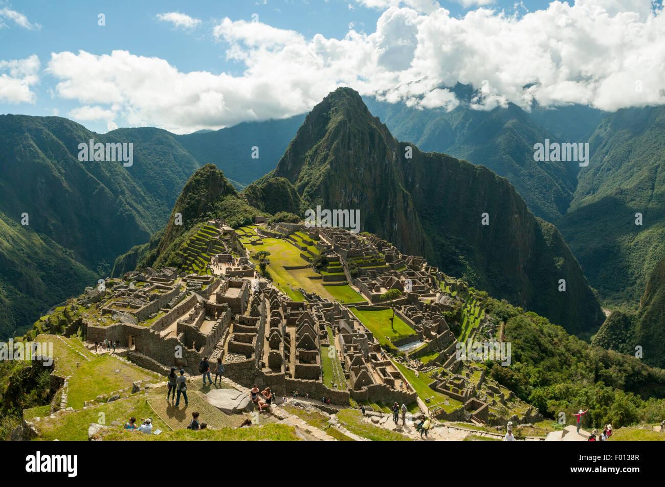 Les ruines Inca de Machu Picchu à partir de la garde, Pérou Photo Stock