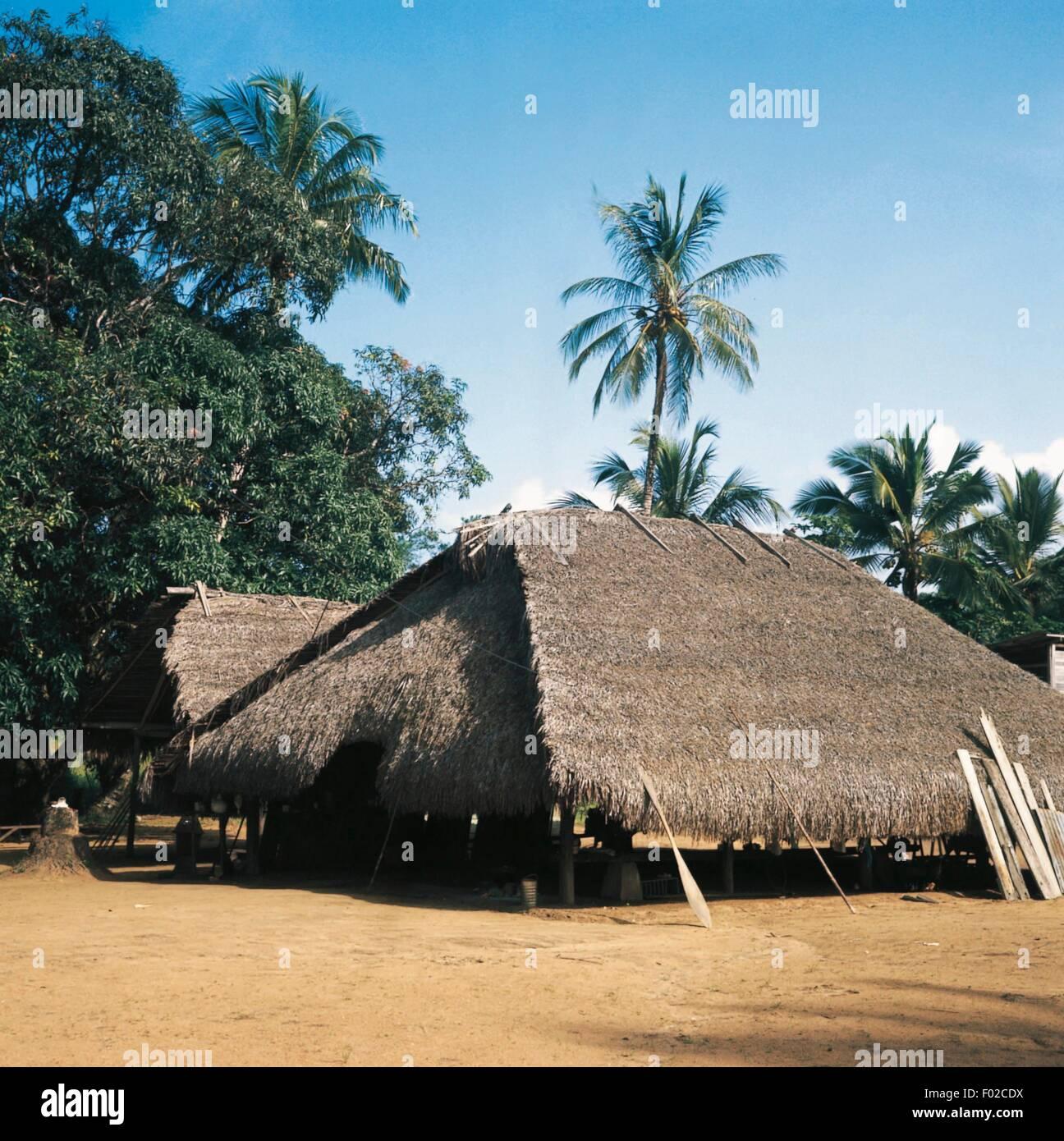 Bigestone, village Wayana, Suriname. Banque D'Images
