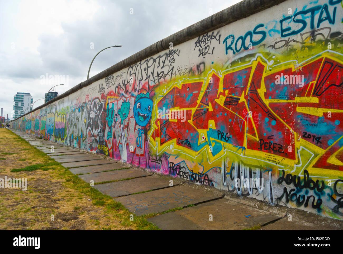 Reste la plus longue partie du mur, l'East Side Gallery, Friedrichshain, Berlin, Allemagne de l'Est Photo Stock