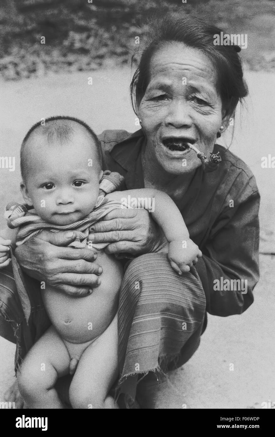 Grand-mère et petit-fils thialand brian mcguire Photo Stock