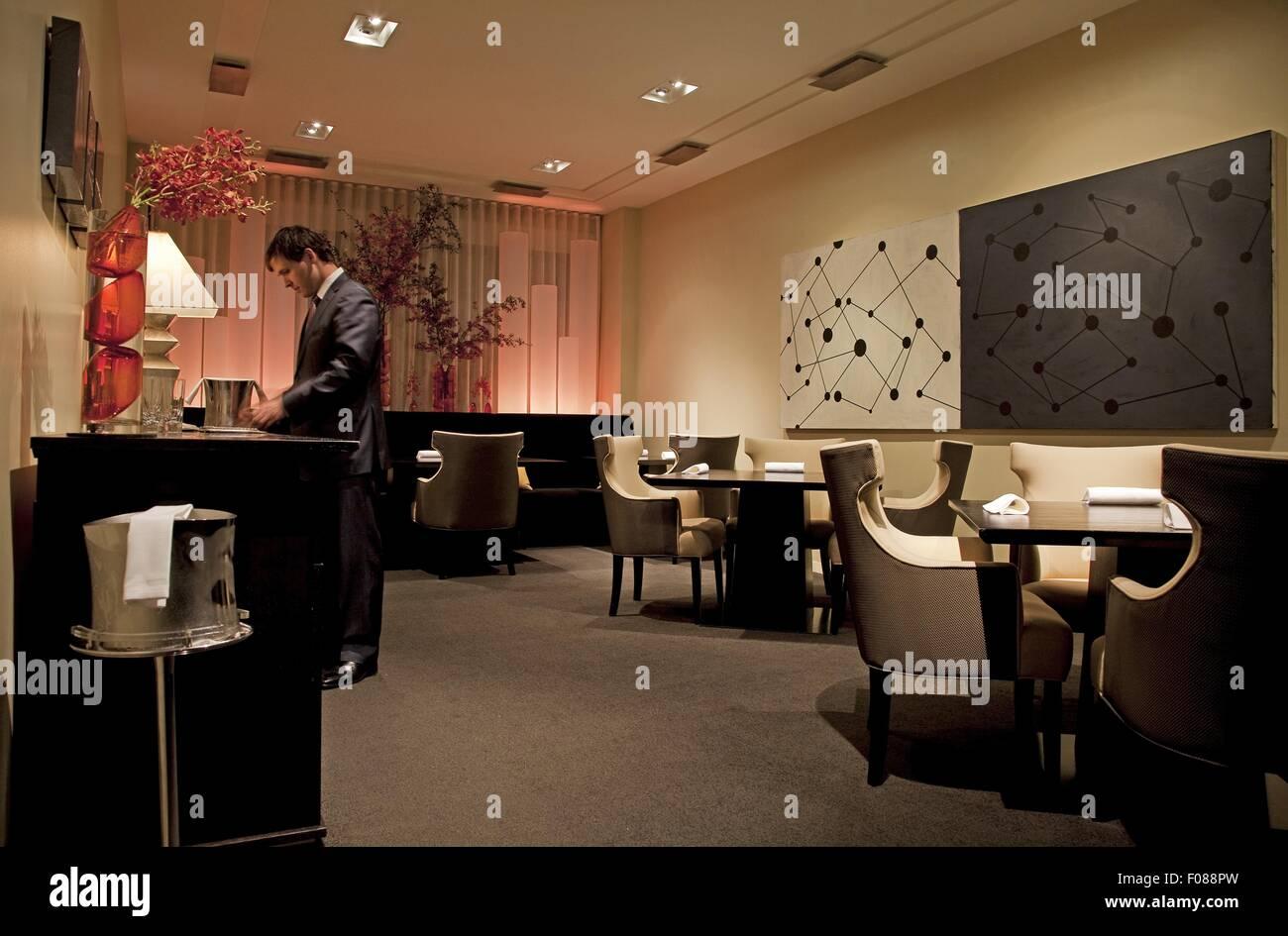 Salle à manger avec belle ambiance dans le restaurant alinea, Chicago, USA Photo Stock