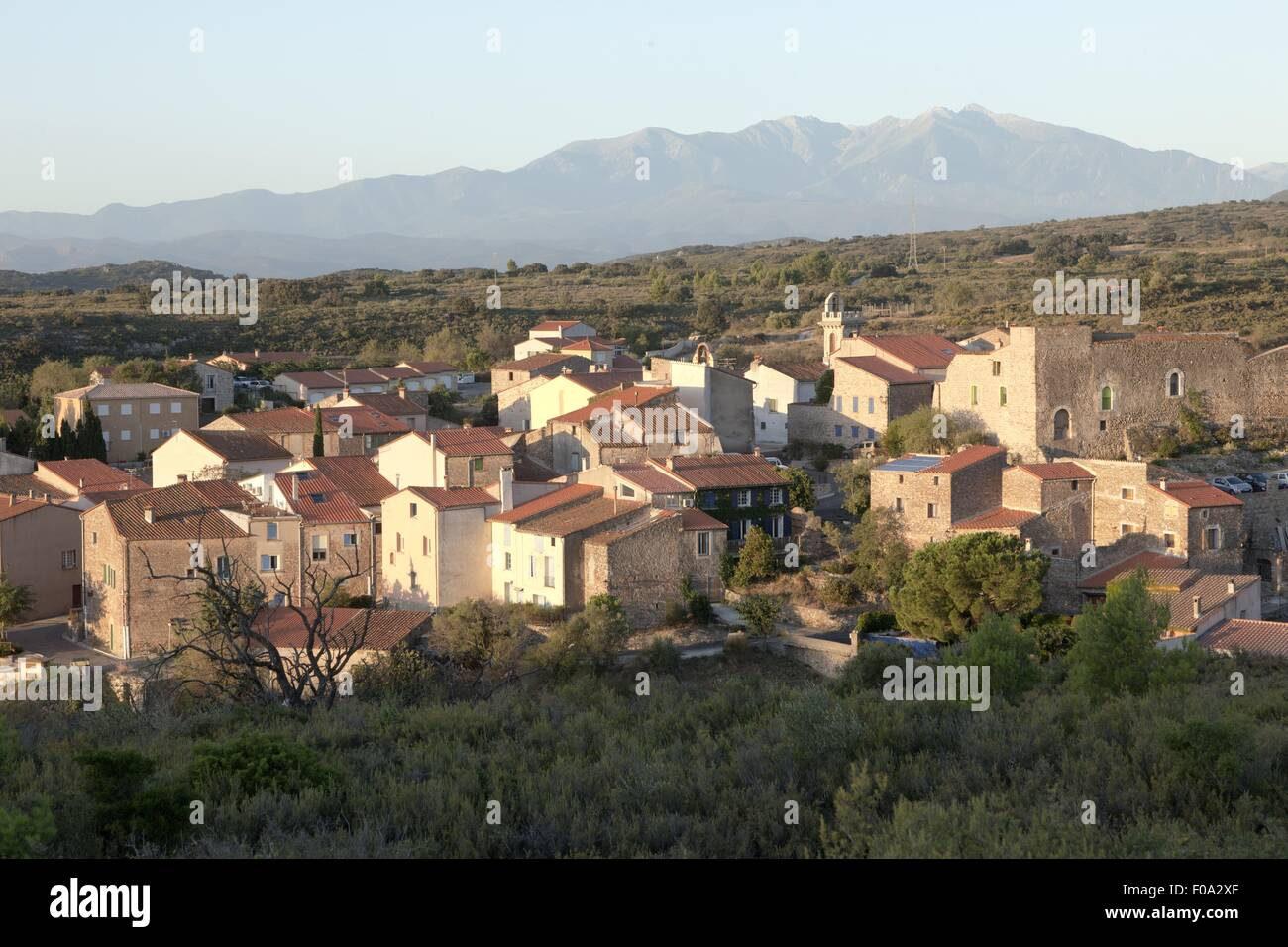 Vue sur le village de domaine de l'Horizon, France Photo Stock