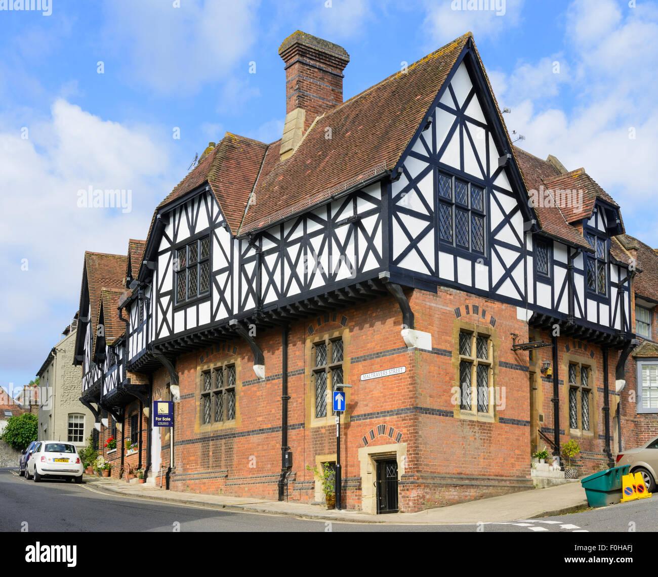 Maison de style tudor simulé dans la ville médiévale darundel west sussex