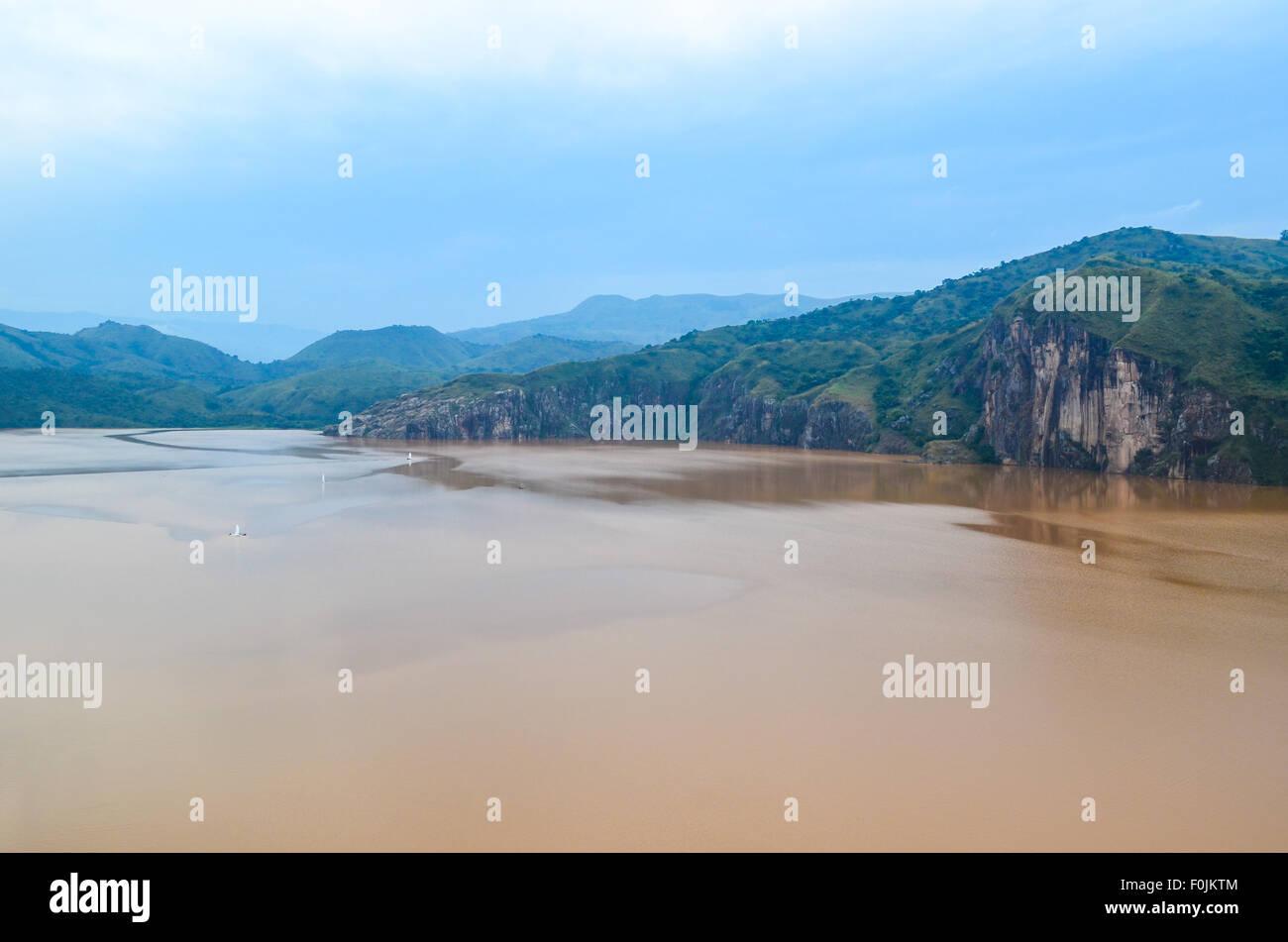 Lac Nyos le long de la Rocade Nord-Ouest, Bamenda, Cameroun / Cameroun, avec toxix CO2 (dioxyde de carbone) Photo Stock