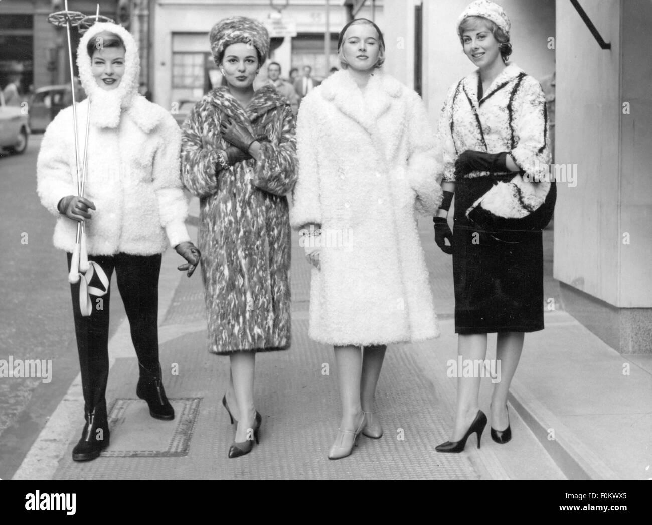 La Les 50 Brocke De Modèles Mode Mode Fay Fourrure Des Années BBxPn54
