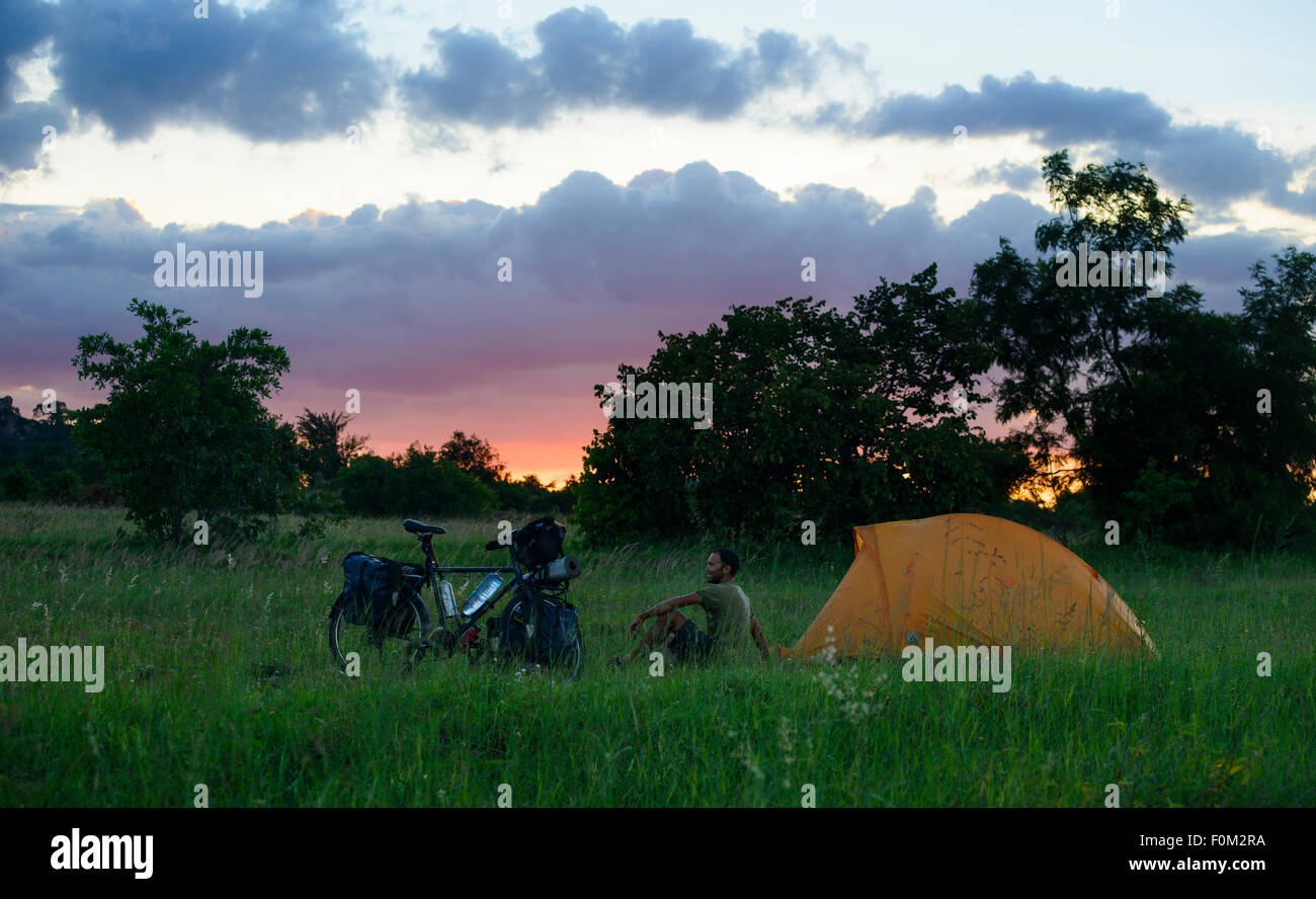Randonnée à vélo au Zimbabwe, l'Afrique Photo Stock