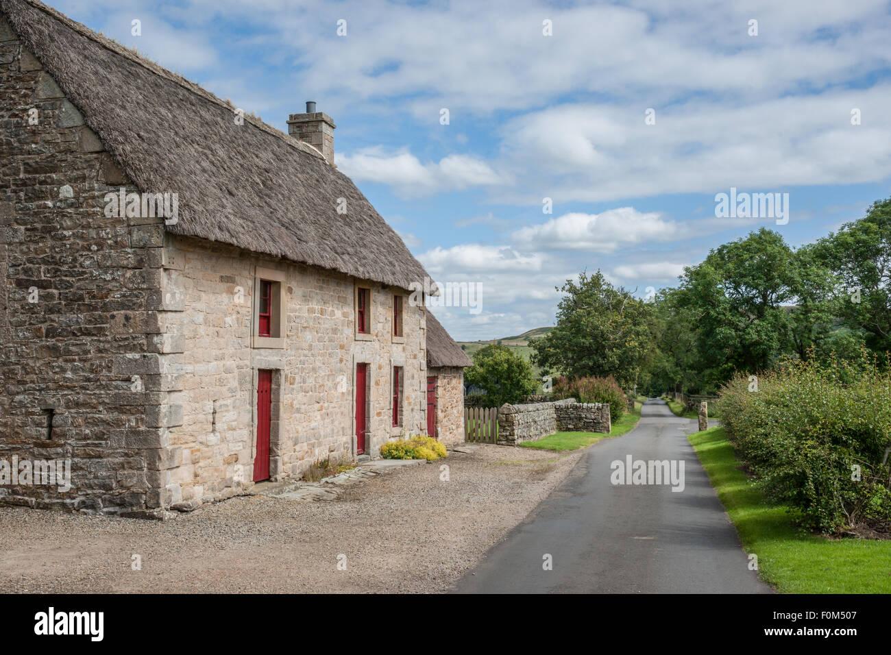 Maison au toit de chaume en anglais ventana blog - Maison en toit de chaume ...