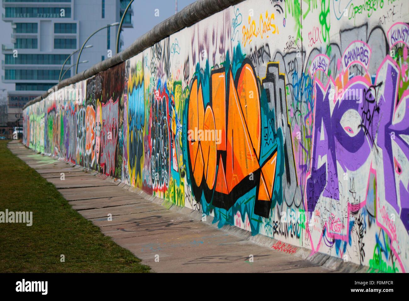 Graffity, East Side Gallery, Berlin. Photo Stock