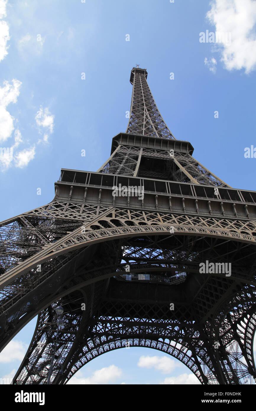 La Tour Eiffel La Tour Eiffel La Tour d'un fer à repasser sur le Champ de Mars à Paris France. Banque D'Images