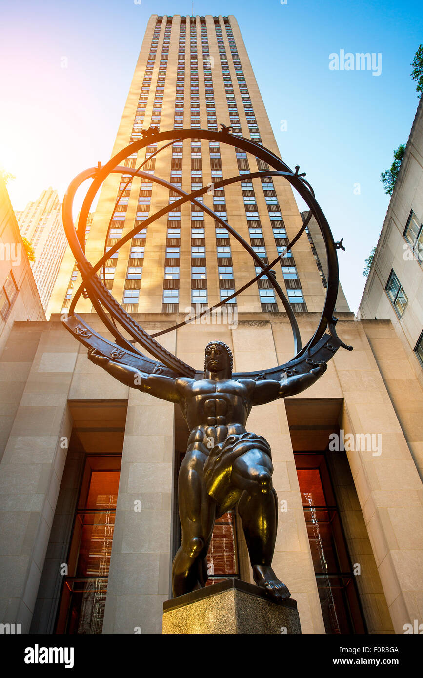 La sculpture de l'Atlas au Rockefeller Center à New York City Banque D'Images