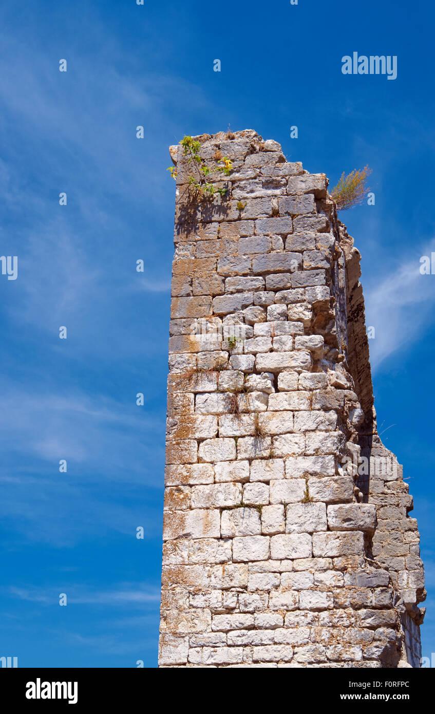 Les ruines de l'enceinte médiévale en vogue en France Photo Stock