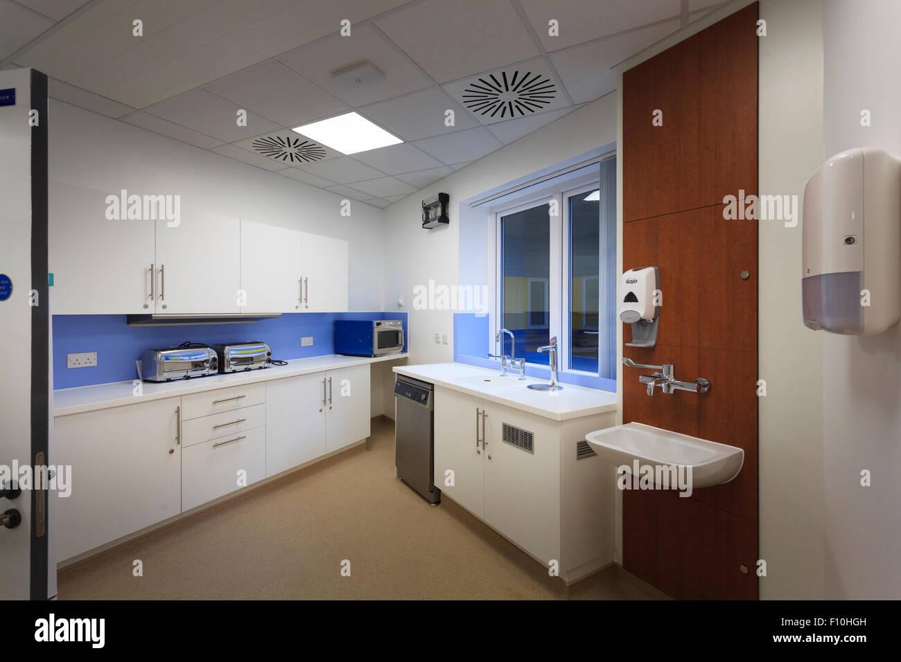Nouvelle cuisine salle de l'hôpital sans que les gens Photo Stock
