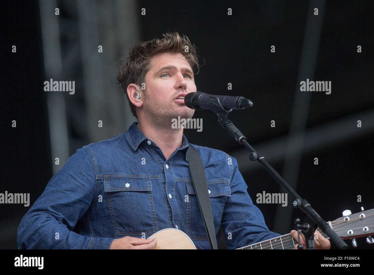 Roy Stride de Scouting for Girls le dimanche (23 août) au V Festival à Chelmsford, Essex Photo Stock