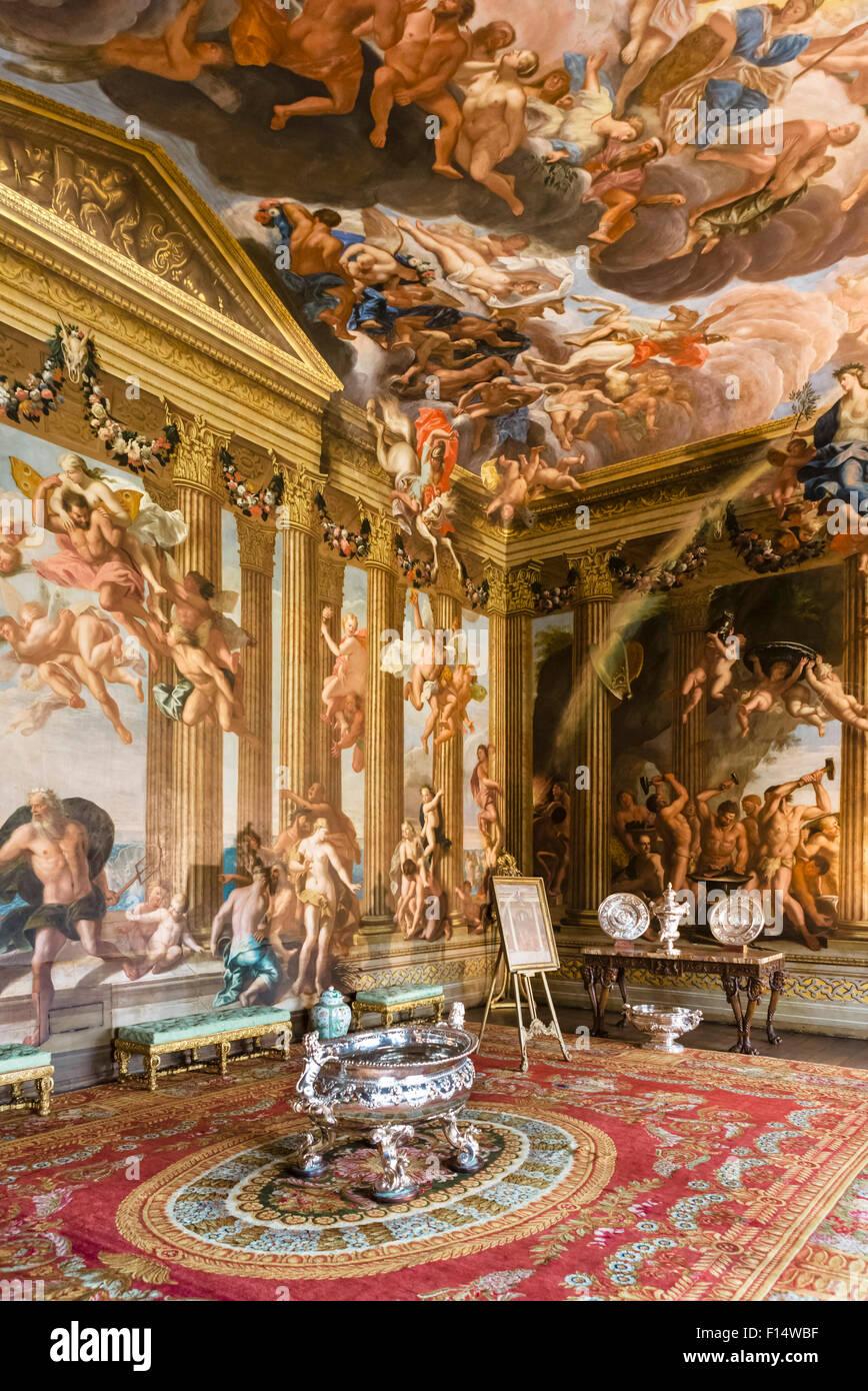 Le ciel avec des peintures murales réalisées par Antonio Verrio, Burghley House, près de Stamford, Photo Stock