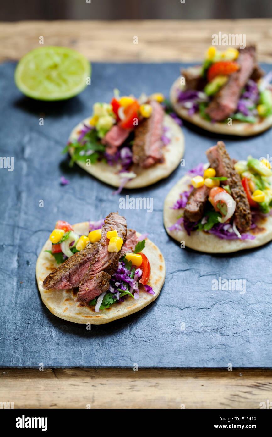 Pavé de boeuf Mini tortillas Photo Stock