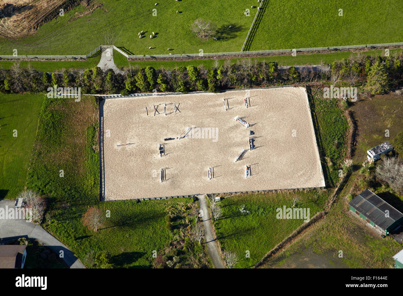 Arène de saut près de Coatesville, North Auckland, île du Nord, Nouvelle-Zélande aerial Photo Stock