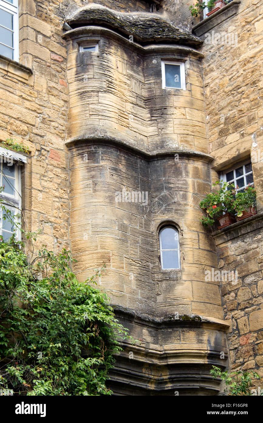 L\'architecture inhabituelle façade de l\'une des belles maisons dans ...