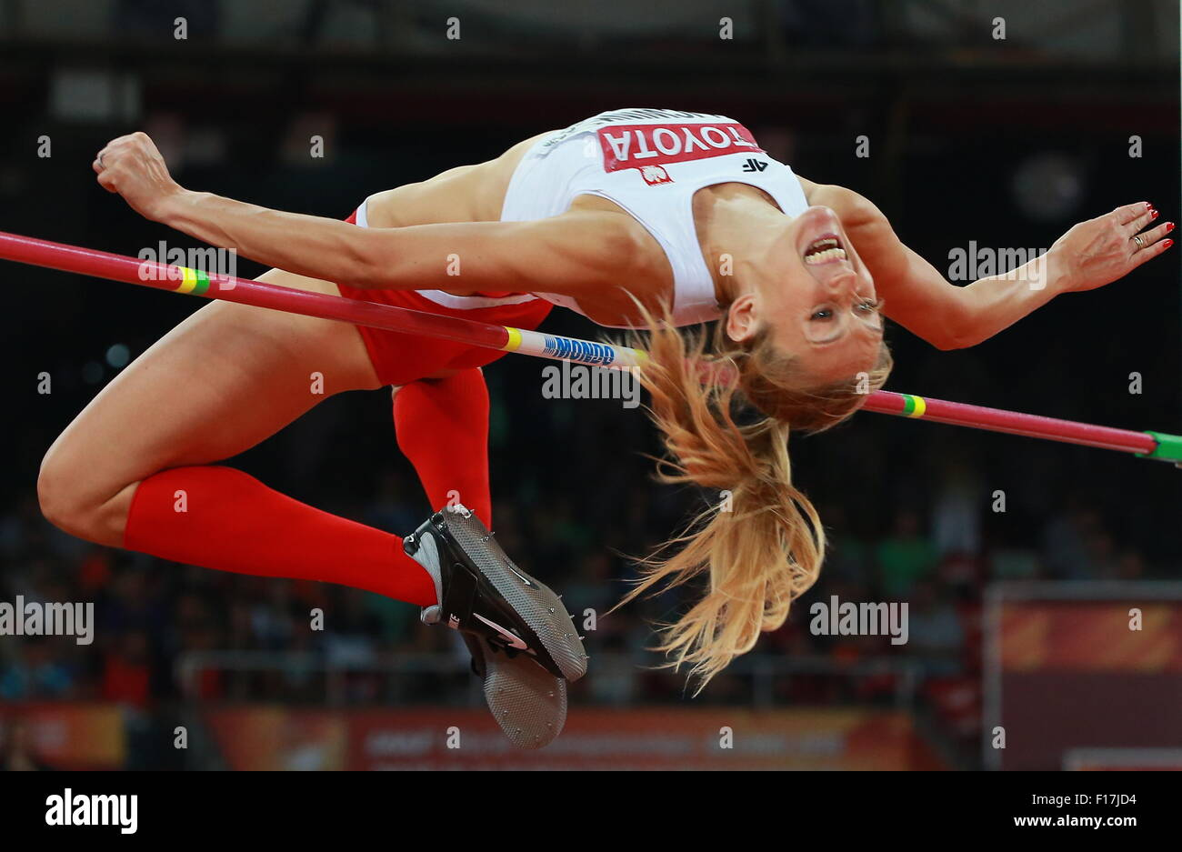 Beijing, Chine. Août 29, 2015. Licwinko la Pologne Kamila est en concurrence pour la finale du saut en hauteur Photo Stock