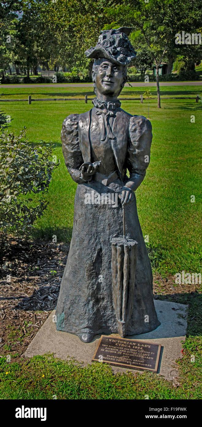 Statue de la Dame victorienne dans le fleuve Mississippi Sculpture Park à Prairie du Chien, Wisconsin Banque D'Images