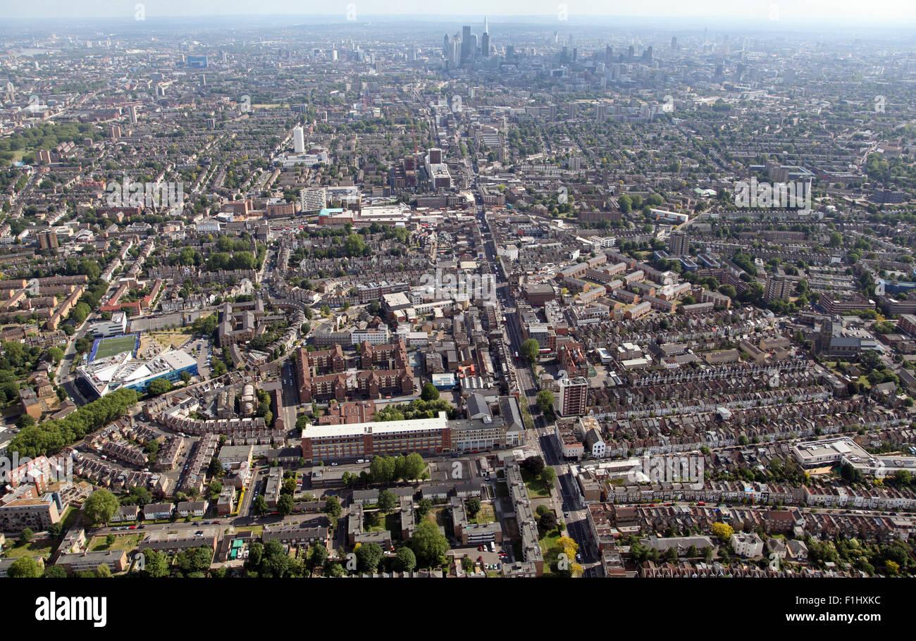 Vue Aérienne Vue vers le sud sur la route A10 à Stoke Newington, Hackney, Londres, UK Photo Stock