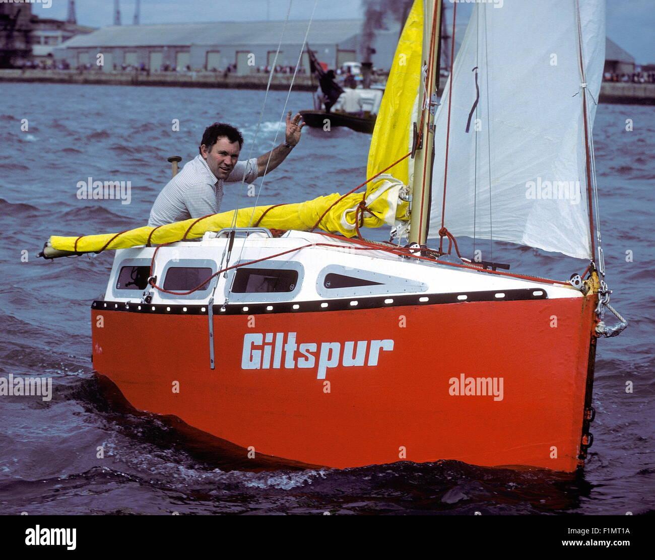 AJAX NOUVELLES PHOTOS - 1983 - Solitaire - TOM McCLEAN, qui a navigué L'ATLANTIQUE EN SOLITAIRE À Photo Stock