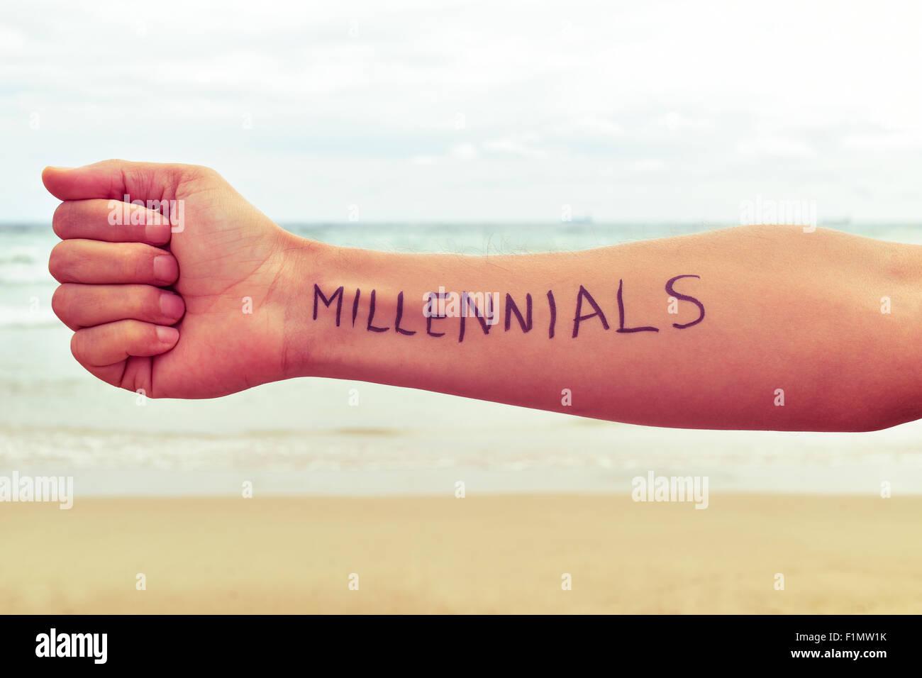 Libre D Un Jeune Homme Avec Le Mot Generation Y Ecrit Dans Son Bras