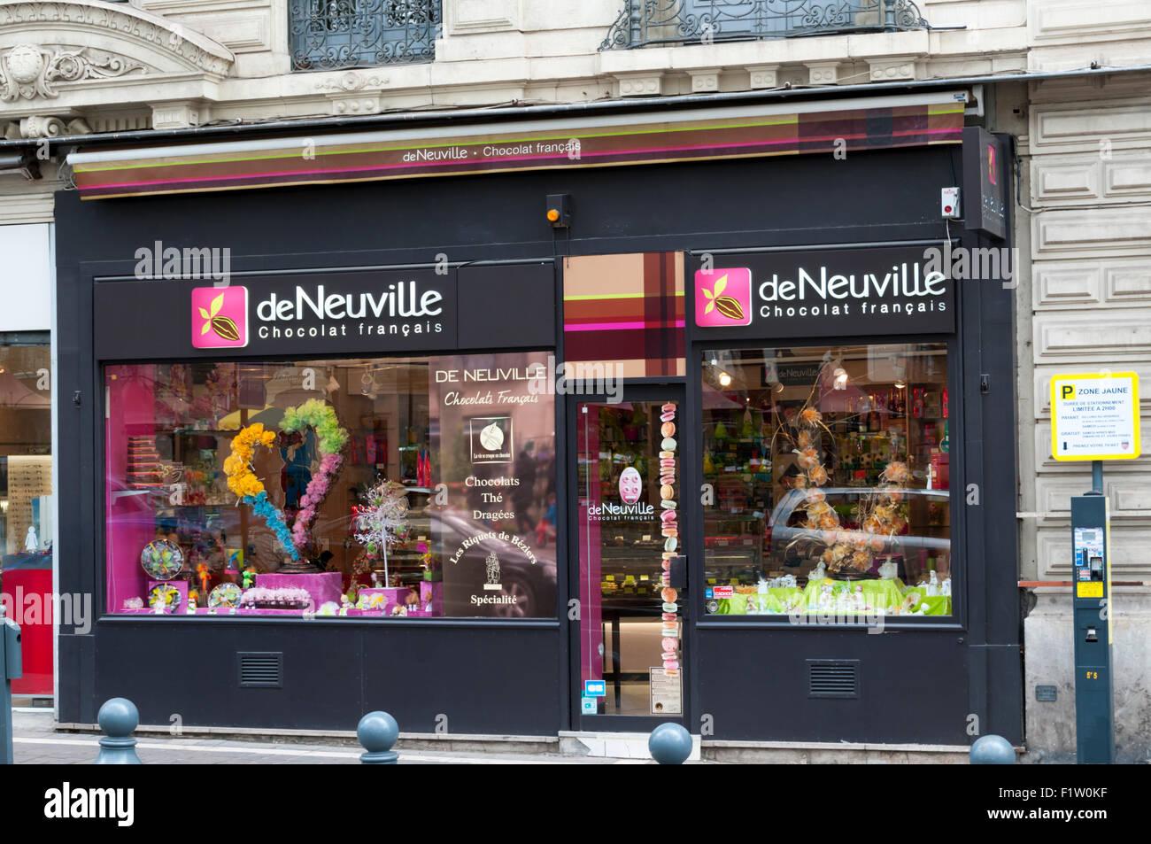 La boutique de chocolat deNeuville English dans l'Allee Paul Riquet, Béziers. Photo Stock