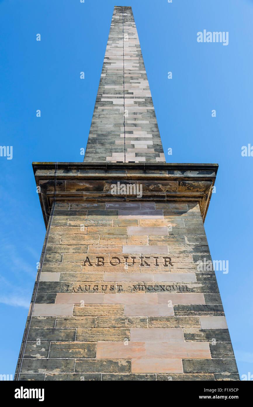 Monument Nelson dans le parc public de Glasgow Green montrant l'inscription pour commémorer la bataille de la baie d'Aboukir, Écosse, Royaume-Uni Banque D'Images