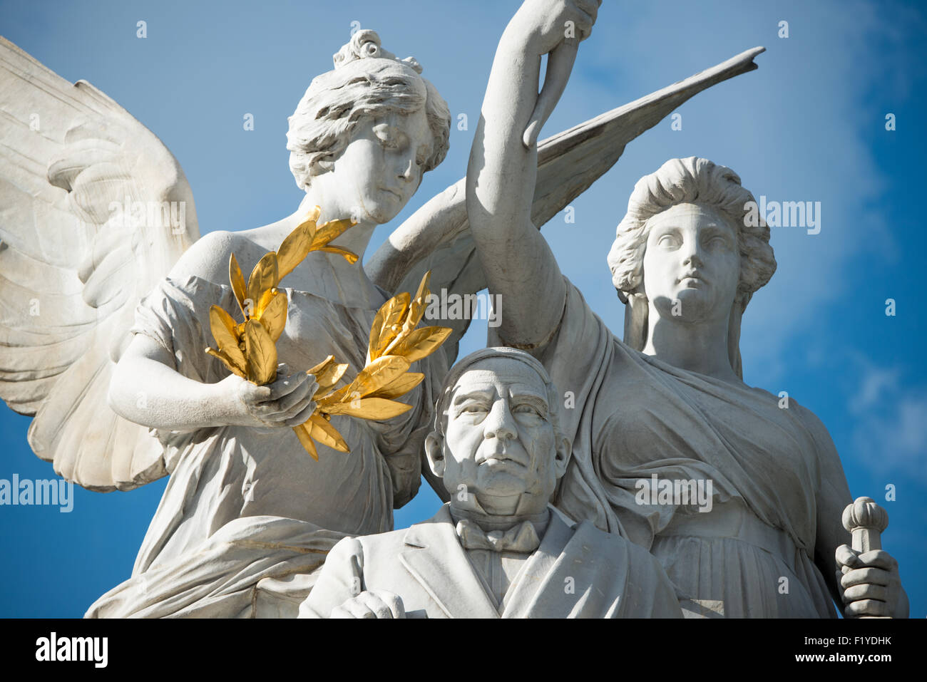 Crowning statue photos crowning statue images alamy