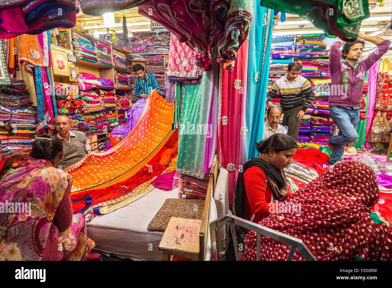 L'Inde, Rajasthan, Jaipur, la Johari Bazar est le principal marché d'ailleurs Photo Stock